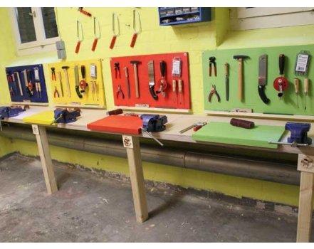 Auch in kleinen und unscheinbaren Räumen lässt sich eine Werkstatt einrichten.