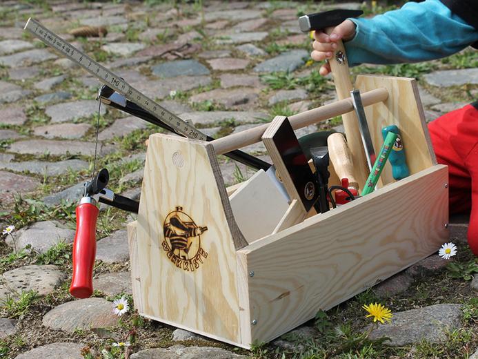 Der Werkzeugkasten im Garten