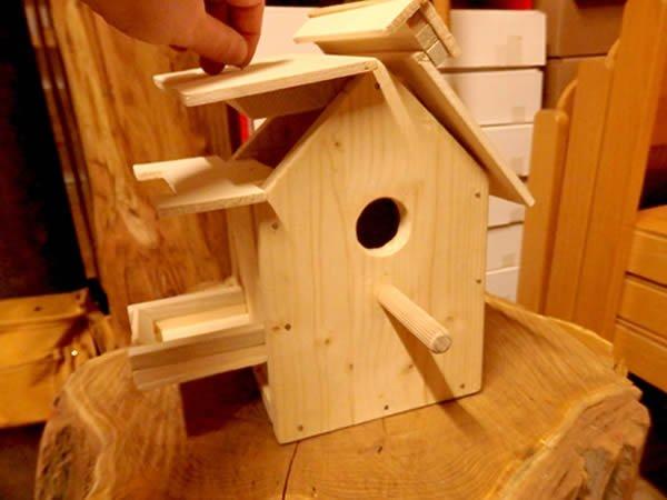 Ein Nistkasten oder auch Vogelhaus