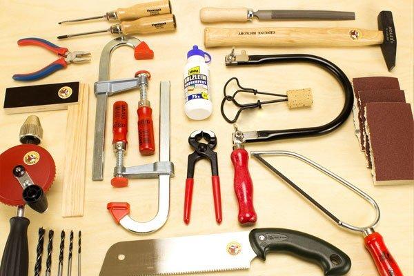 Viele Werkzeuge für Kinder
